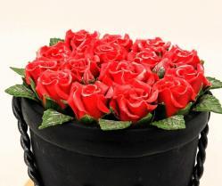 Valgomų gėlių puokštės